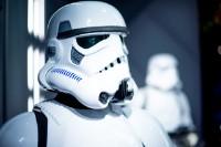 Bekijk details van Bouw je eigen Star Wars of Frozen game 6+