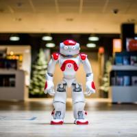 Bekijk details van Verhalen uit de teletijdmachine | Een robot leest voor 4+